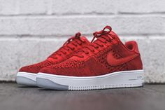 Don't Sleep On The Nike Air Force 1 Ultra Flyknit University Red Nike Kicks, Kicks Shoes, Red Shoes, Me Too Shoes, Air Jordan, Baskets, Outfits Kombinieren, Milan Fashion Weeks, London Fashion