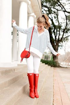 red hunter boots   winter style   winter fashion   how to style hunter boots   hunter boot fashion ideas   fashion tips for winter   style ideas for winter   cold weather fashion   styling for fall and winter    a lonestar state of southern