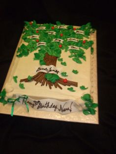 Family Tree Cake This was for a Birthday and Family Reunion! Family Reunion Cakes, Family Tree Cakes, Family Reunions, 90th Birthday Cakes, 90th Birthday Parties, Birthday Ideas, Christmas Tree Design, Christmas Tree Decorations, Tree Plan