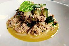 Zucchini - Thunfischpfanne, ein sehr leckeres Rezept aus der Kategorie Fisch. Bewertungen: 381. Durchschnitt: Ø 4,5.