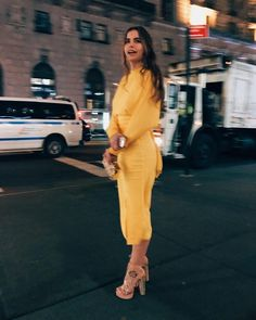 Page dedicated to the beautiful dancer Violetta Komyshan, Europe Outfits, Event Dresses, Long Dresses, Shades Of Yellow, Classy Outfits, Diy Clothes, Beautiful People, Celebrity Style