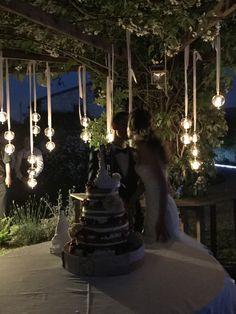 real wedding // Matrimonio a tema Albero della vita, matrimonio stile rustico, matrimonio romantico dal colore rosa e bianco: il taglio torta del matrimonio di Alessandro e Deborah
