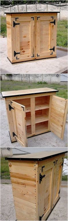 This wood pallet table is the mixed version of the media table along with the settlement of the cabinets in it. You can make the favorable use of the upper portion of the table for the media support and set the drawers for storage purposes. Try this aweso