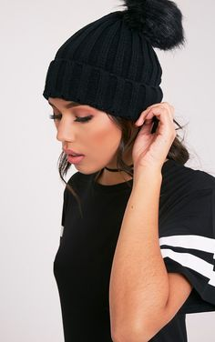 Junah Black Knitted Pom Pom Beanie Image 1
