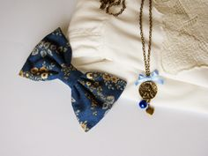 style: old gold and blue [by Fio de coco]