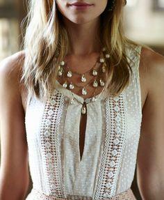 feminine and soft. Perfect necklace for this look. Boho Fashion, Fashion Outfits, Fashion Design, Fashion Jewelry, Elisa Cavaletti, The Bikini, Dress To Impress, Style Me, Ideias Fashion