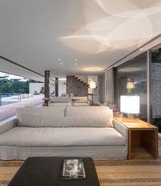 Sensational minimalist home set in the hills of Rio de Janeiro