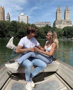 Cute Couples Photos, Cute Couple Pictures, Cute Couples Goals, Couple Photos, Couple Ideas, Cool Couples, Teenage Couples, Kiss Pictures, Young Couples