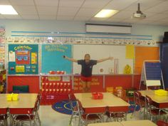 1st Grade Classroom Set Up | 16. Setting up Ms. Skelton's first first grade classroom with sweet ...