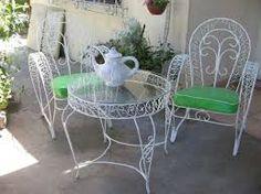 Resultado de imagen para sillon de jardin de hierro Outdoor Furniture Sets, Outdoor Decor, Big Houses, Lily, Table, Home Decor, Wrought Iron, Iron Furniture, Table And Chairs