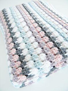 great color-combo of this larksfoot-blanket. Via blancouleur