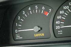 Opel Lotus Omega im Fahrbericht: Ein Opel als Testarossa-Schreck - AUTO MOTOR UND SPORT