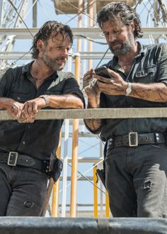 """ Andrew Lincoln and his stuntman Felilpe Savahge behind the scenes of The Walking Dead Season 7 Episode 12 