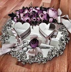 İncili Yaprak Nişan Tepsisi - Resim 1 - Useful Information World - Wedding Prep, Wedding Goals, Wedding Planner, Wedding Crafts, Diy Wedding, Wedding Flowers, Engagement Decorations, Wedding Decorations, Engagement Ring Platter