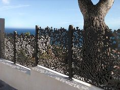 Door Gate Design, Door Design Interior, Boundry Wall, Balcony Grill Design, Garden Privacy Screen, Modern Fence Design, Gates And Railings, Garden Screening, French Style Homes