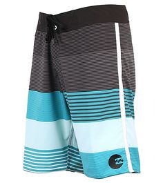 Feel complete in the water with the Billabong™ Men's Komplete boardshort. Made with recycled bottles, this board short is friendly to the environment and dangerous to the competition. Mens Swim Shorts, Guys Shorts, Swimwear Brands, Man Swimwear, Boxer Pants, Surfer Boys, Surf Wear, Mens Boardshorts, Surf Outfit