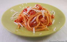 Pasta all'amatriciana     Per la ricetta cliccate qui: http://www.gnamgnam.it/2012/10/09/pasta-allamatriciana.htm
