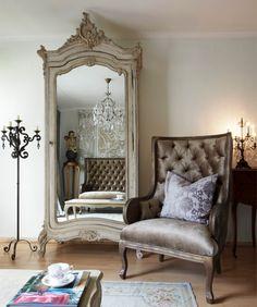 Arredare in Stile Classico Armadio con Specchio in Legno