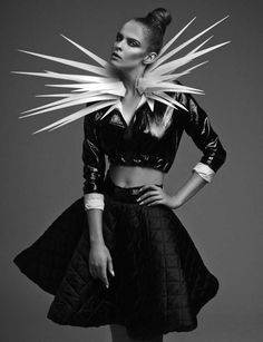 Conceptual Cyborg Accessories - The Dichotomic Editorial by Aleksandra Zaborowska is Futuristic (GALLERY) Space Fashion, World Of Fashion, Love Fashion, Fashion Art, Editorial Fashion, Runway Fashion, Fashion Show, Fashion Design, Unique Fashion