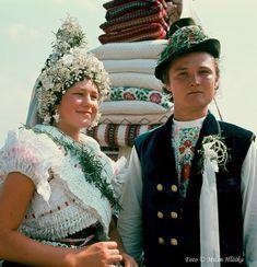 Tekov, Slovakia Folk Costume, Costumes, European Countries, Czech Republic, Captain Hat, Hats, Fashion, Moda, Dress Up Clothes