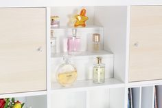 die besten 25 stufenregal wei ideen auf pinterest. Black Bedroom Furniture Sets. Home Design Ideas