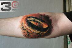 32 exemplos de tatuagens de O Senhor dos Anéis Ring Tattoos, 3d Tattoos, Body Art Tattoos, Sleeve Tattoos, Cool Tattoos, Geek Tattoos, Wicked Tattoos, Awesome Tattoos, Tattos