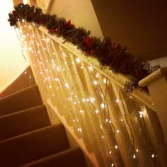Icicle lights on stairs. Xmas Decor For Stairs, Christmas Stairs Decorations, Decorating With Christmas Lights, Light Decorations, Christmas 2014, Christmas Wishes, Christmas Crafts, Christmas Stuff, Merry Christmas
