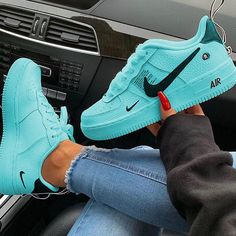 Nike Airforce - for women - shoes Cute Nike Shoes, Cute Sneakers, Sneakers Nike, Girls Sneakers, Kicks Shoes, Women's Shoes, Shoes Style, Nike Shoes Air Force, Jordan Shoes Girls