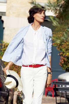 Uniqlo will get a heavy dose of Parisian chic in March 2014 when it launches a collaboration with ultimate French style icon Inès de la Fressange. Uniqlo, Style Work, Her Style, Style Hair, Ines Fressange, Thats Not My Age, French Chic Fashion, Parisienne Chic, Moda Paris