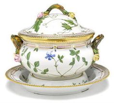 A Royal Copenhagen Flora Danica porcelain soup tureen, cover and stand date code for 1968 Titled in Latin to reverse, printed factory mark, numbered 20/3562 and 20/3563. height overall 10 1/2in; length across handles 11 3/4in; diameter of stand 31 1/4in