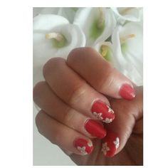 A flower touch. #nails
