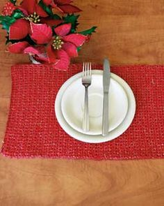 Placemat with just the right amount of sparkle to celebrate your holiday meals in style.