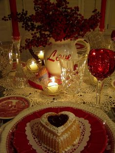 Between Naps on the Porch | Valentine's Day Table Setting with Yummy Heart Cakes | http://betweennapsontheporch.net
