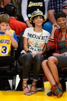 Rihanna attends a basketball game between the Golden State Warriors and the Los Angeles Lakers at #Staples Center on November 22, 2013 in Los Angeles http://celebhotspots.com/hotspot/?hotspotid=6465next=1
