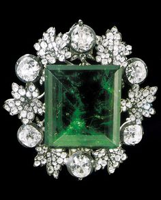 The Sinople Queen emerald weighing over 136 carats, in a diamond setting from the time of Nicholas I. Source: The Jewels of the Romanovs, by Stefano Papi. #SinopleQueenEmerald #antique #jewel