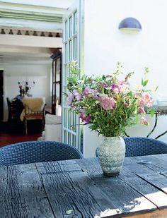 Bolig: Sommerhus med antikke møbler og loppefund | Femina Small Sheds, Summer, House, Photo Art, Summer Time, Home, Mini Cabins, Homes, Houses