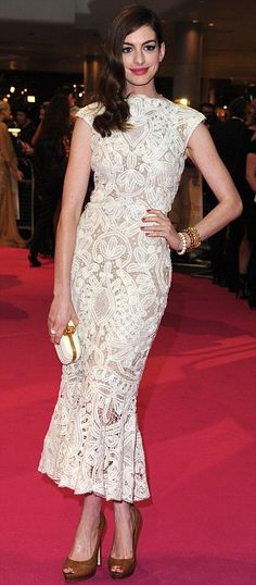"""Anne Hathaway in Alexander McQueen Resort 2012 at the London premiere of """"One Day"""", August 2011"""