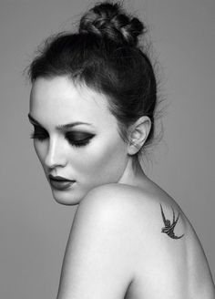 Gossip Girl beauty Leighton Meester looks even more stunning than usual in the December 2010 issue of Marie Claire UK, rocking a variety of looks that all Leighton Meester, Chanel Tattoo, Tattoo Buch, Et Tattoo, Unalome Tattoo, Sick Tattoo, Beauty Shoot, Hair Beauty, Women's Beauty