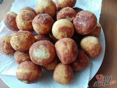 Condensed milk balls, ready within 15 minutes! - recipe stories benefits recipes recipes how to make smoothie smoothie recipes Kefir Recipes, Cooking Recipes, Sweet Cakes, Greek Recipes, Cakes And More, Finger Foods, Iftar, Delish, Bakery