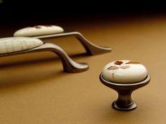 Kolekcja Victoria #gamet #doorknob #doorhandle #knobs #handles #design #retro #rustical #vintage