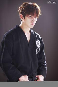 ❤❤ 지 창 욱 Ji Chang Wook ♡♡ that handsome and sexy look . Ji Chang Wook Abs, Ji Chang Wook Smile, Ji Chang Wook Healer, Ji Chan Wook, Park Hae Jin, Park Seo Joon, Korean Star, Korean Men, Asian Men