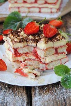 Truskawkowe tiramisu Tiramisu, Pancakes, Breakfast, Ethnic Recipes, Morning Coffee, Pancake, Tiramisu Cake, Crepes