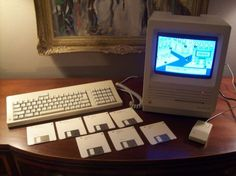 Macintosh SE   http://www.megalextoria.com/wordpress/index.php/category/computer-arcana/