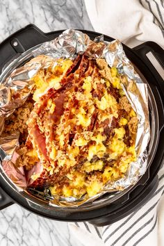 Easy Instant Pot Ham -- you simply can't go wrong with this simple pressure cooker ham recipe. All you need is a bone-in spiral ham + crushed pineapple & brown sugar to make the easiest, most delicious ham ever! Honey Baked Ham, Crispy Baked Chicken, Instant Pot Ham Recipe, Cooking Spiral Ham, One Pot Meals, Easy Meals, Pressure Cooker Ham, Homemade Peanut Butter Cookies, My Favorite Food
