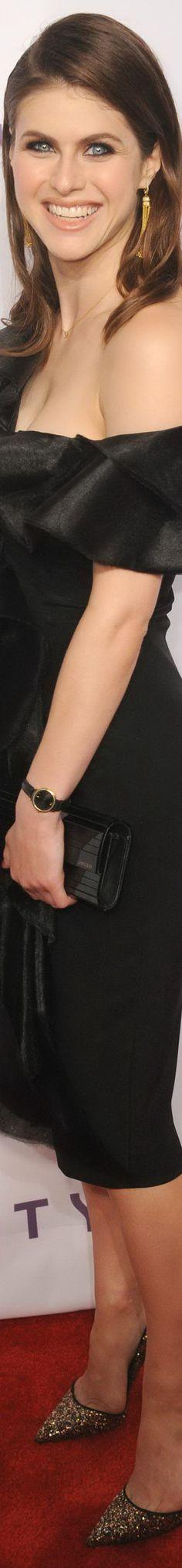Alexandra Daddario l JB Alexandra Daddario, Photo Mannequin, Female Actresses, Musa, Hollywood Celebrities, Female Celebrities, Mannequins, Sensual, Beautiful Actresses
