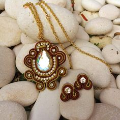 Gold and Brown Soutache Set: Necklace and earrigns de DDSoutache en Etsy