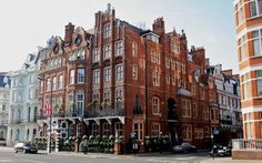 The best boutique hotels in London. Find a boutique hotel London and book with Splendia to benefit exclusive offers on a unique selection of hand picked small luxury hotels. Boutique Hotels London, A Boutique, Romantic Getaway, Most Romantic, Places Of Interest, Grand Hotel, London Travel, Hotels And Resorts, Luxury Hotels