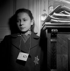 Život s foťákem na krku. Fenomenální Jan Lukas Lest We Forget, Never Forget, Holocaust Survivors, Never Again, Photomontage, Black And White Photography, Czech Republic, War, Pictures
