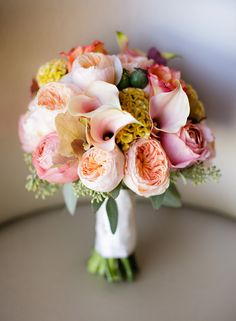wow, this one is really beautiful. photo by Sarah Postma bouquet by Exquisite Designs http://www.weddingchicks.com/2014/01/07/chicago-history-museum-wedding-photos/