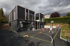Uma Casa Passiva Envolvida Por Uma Pele Têxtil / BLAF Architecten